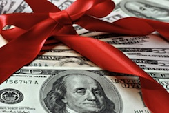 How Much to Tip Your Nanny on Christmas | eNannySource